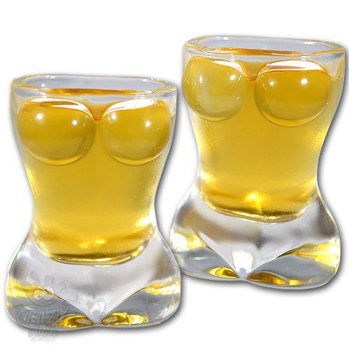 Szemet és ízlelő bimbót egyaránt kényeztető ajándék ötlet karácsonyra. http://crazyshop.hu/ajandek_ferfiaknak/bogyos-kupicak---2-db