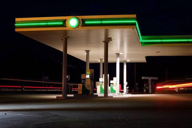 """#bp #service #servicestation #tanke #tankstelle #tanken #benzin #diesel #longexposure #fujifilm_xseries #fujixt1 #xtrans #xphotographer #night…"""