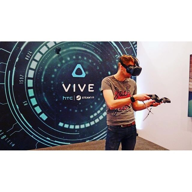 An awesome Virtual Reality pic! HTC's shares have risen over 21% in the past two days due to the preorders of the HTC Vive #vrnews #technology #htc #htcvive #vr360 #vr #headset #virtualreality #stocks #stocksandshares #news #business #future #wearables #apps #steam #vive by dronesandvrstuff check us out: http://bit.ly/1KyLetq