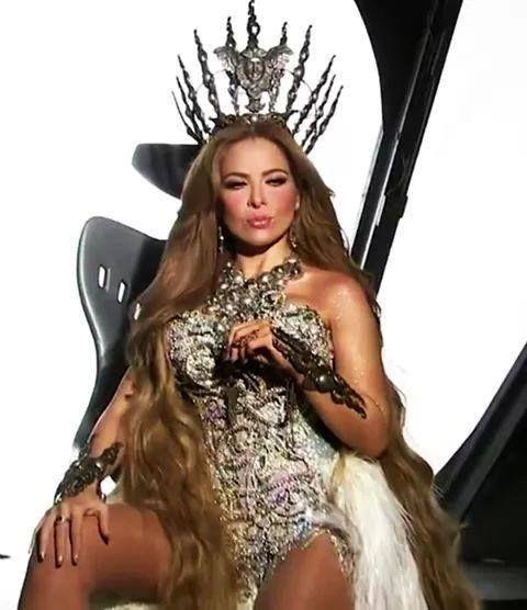 #gloriatrevi by #MarceloPendola para su nuevo #VideoClip #feliz ! Gracias @asanchezfashion @creativpr @fioricouture #LosAngeles #ny #hollywood #corsets #couture #show #univision #miami #Argentina #trend #love