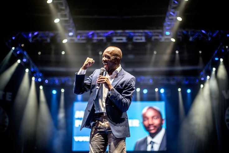 SOUTH AFRICA, Johannesburg : South African Gauteng Premier Candidate for the opposition party Democratic Alliance (DA) Mmusi Maimane adresses his supporters at the final DA campaign rally in Johannesburg on May 3, 2014, ahead of May 7 general election