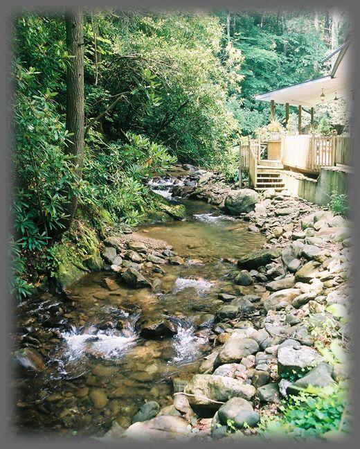 Mountain cabin vacation rental luxury mountain cabins for Smoky mountain cabins on the water
