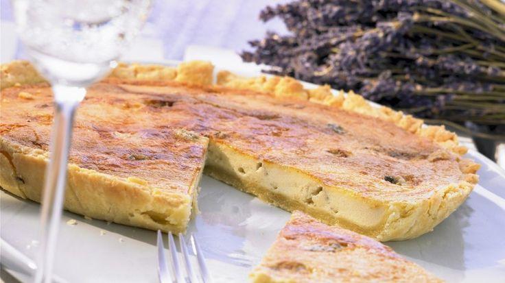 Super würzig und schön cremig: Quiche mit Blauschimmelkäse   http://eatsmarter.de/rezepte/quiche-mit-blauschimmelkaese
