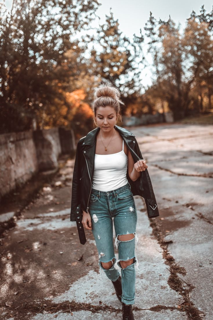 FALL UNIFORM OUTFIT - Ripped Denim, Leather Jacket, Boots
