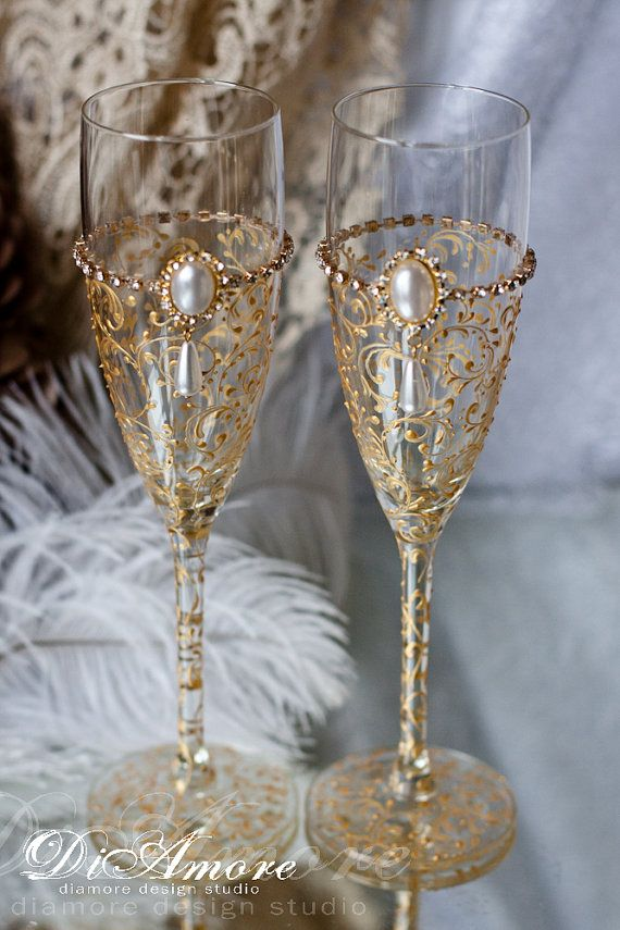 Gold Art Deco Gatsby Style \ wedding Champagne Flutes & set for the cake