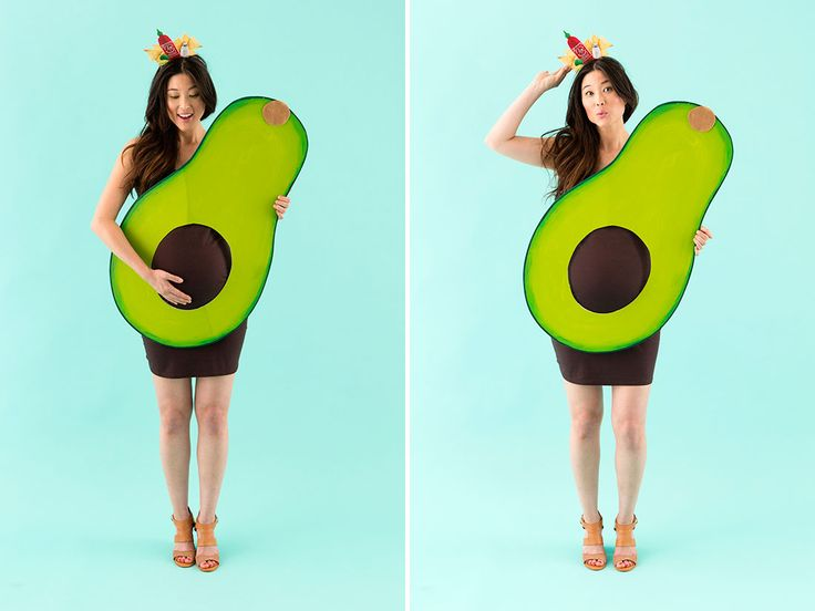 Love this DIY avocado maternity Halloween costume idea.
