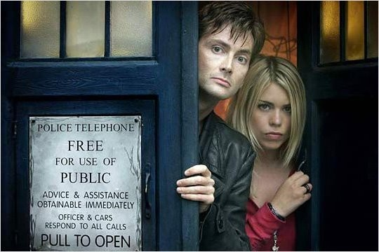 Doctor Who and Rose (Doctor Who)Doctors And Rose, The Doctors, Doctorwho, Rose Tyler, 10Th Doctor, Doctors Who, Doctor Who, Dr. Who, David Tennant