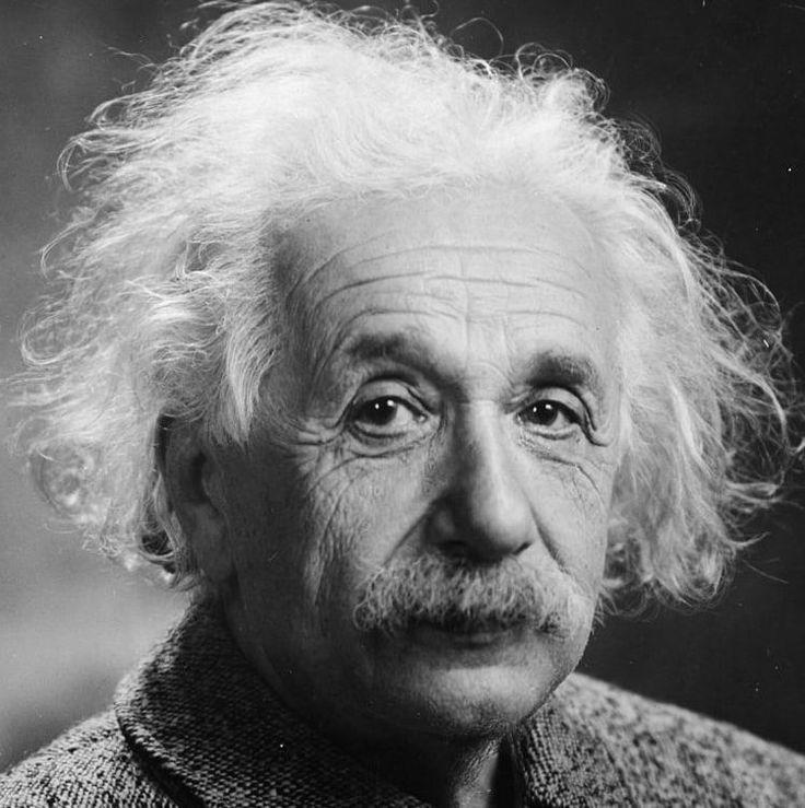 Умным человеком может быть каждый, но для этого нужно потрудиться и как минимум привить себе привычки умнейших людей. Если оглядываться на биографию Эйнштейна, то таких привычек было немало. Разберем самые основные из них.  1. Постоянно задавайте вопросы Когда вы не можете понять тот или иной материал (в книге, на лекции, на работе), то не бойтесь задавать вопросы и задавай их до тех пор, пока не поймете суть сказанного или написанного. Если стесняетесь задавать вопросы, то вы просто зря…