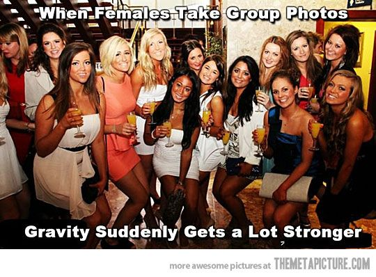 Why do we all bend our knees....Colleges Girls, Pets Peeves, Laugh, Funny Pictures, So True, Group Pictures, Group Photos, Tall Girls, True Stories