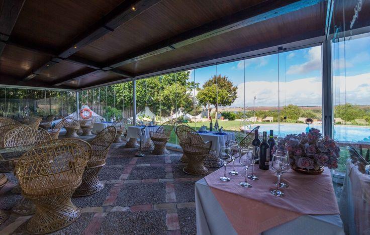 Restaurante de Hacienda El Santiscaol con impresionantes vistas al Lago y al Paraje Natural. En Arcos de la Frontera ( Cádiz)