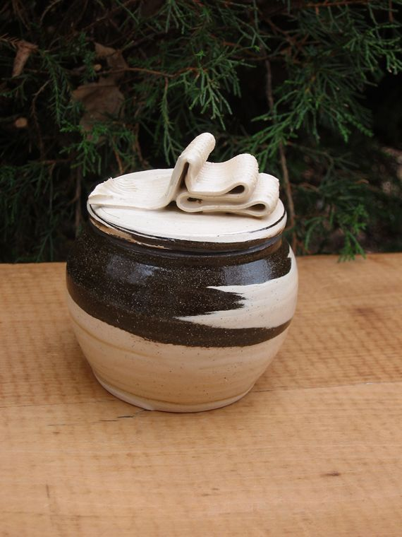 Jar Medium Jar Handmade Pottery  (091182)