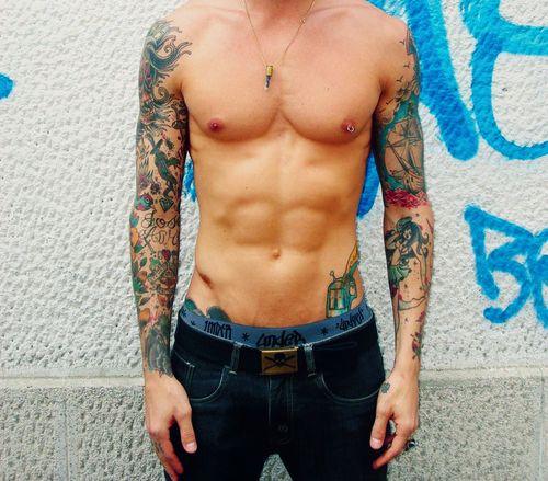 Piercing de pezón y tatuajes | Piercing de pezón | Estilos ...