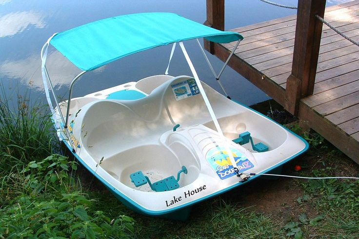 Lakeside Serenity – Pedal Boat