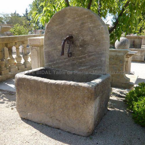 Les 25 meilleures id es concernant fontaines murales sur for Fontaine a eau de jardin