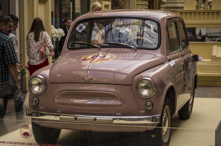 ЗаЗ-965 / Фото ГУМ. Выставка ретро-автомобилей. Альбом Выставка ретро-автомобилей - 12 фото. Фотографии Марина Башутина.