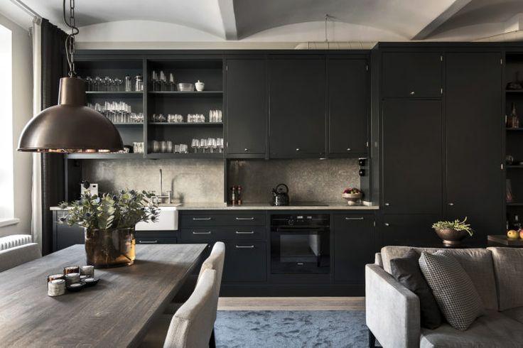 black #kitchen for sale via innerstadsspecialisten.se | 10 Beautiful Rooms - Mad About The House | #blackkitchen