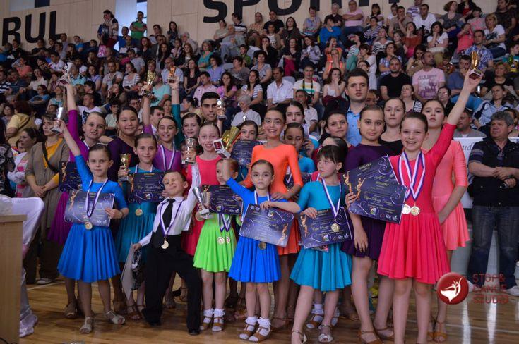 Scolile de dans schimba oameni si destine | Scoala de dans Stop&Dance