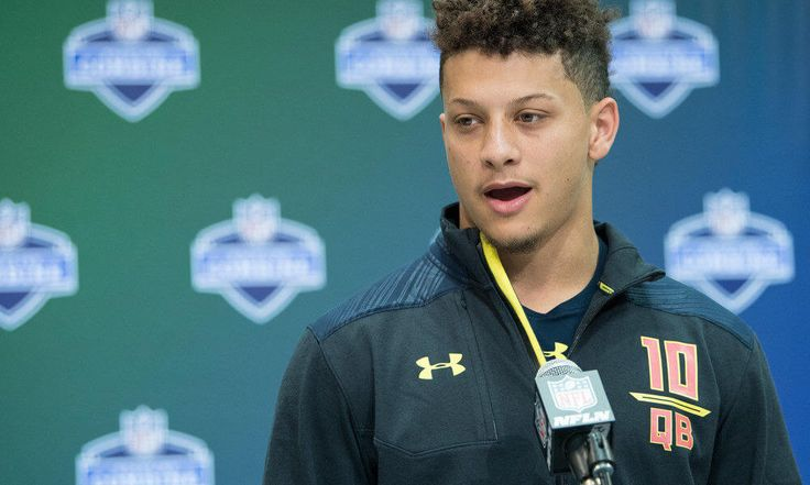 Browns host Texas Tech's Patrick Mahomes for visit = The Cleveland Browns' search for a franchise quarterback continued on Friday with Texas Tech quarterback Patrick Mahomes visiting town, according to Mary Kay Cabot of the Cleveland Plain Dealer. This visit comes after the Browns previously worked out the Big-12 star. Since he already did work out with the team, this visit should mostly be…..
