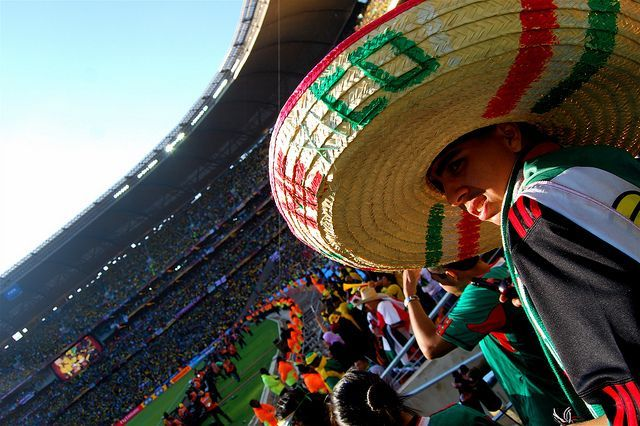 7 differences between Mexican and English football fans (and 8 similarities) #travel #culture