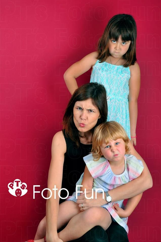 Mum and daughters with funy grumpy faces