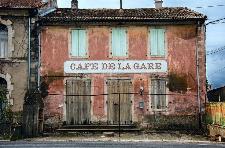https://flic.kr/p/F3jVKb   cafe de la gare   Near Maubec, Provence