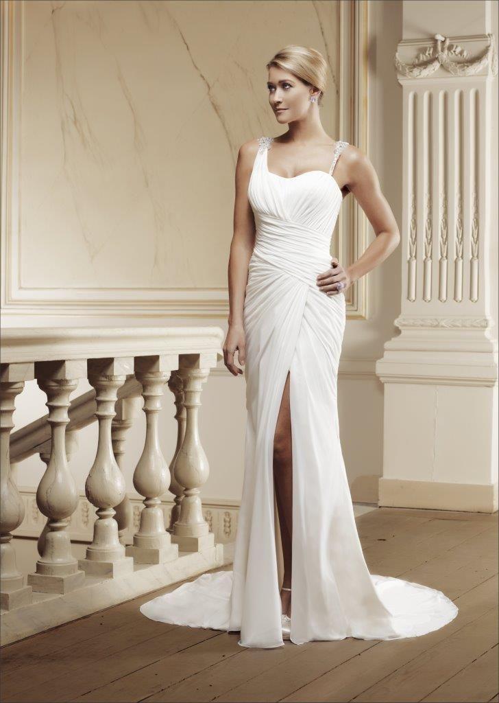 50 best Brautkleid der Woche images on Pinterest   Wedding frocks ...