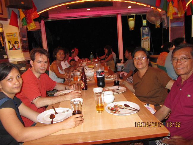 Oriental Mindoro Life and Leisure: A Joyous Night to Remember at White Beach Puerto G...