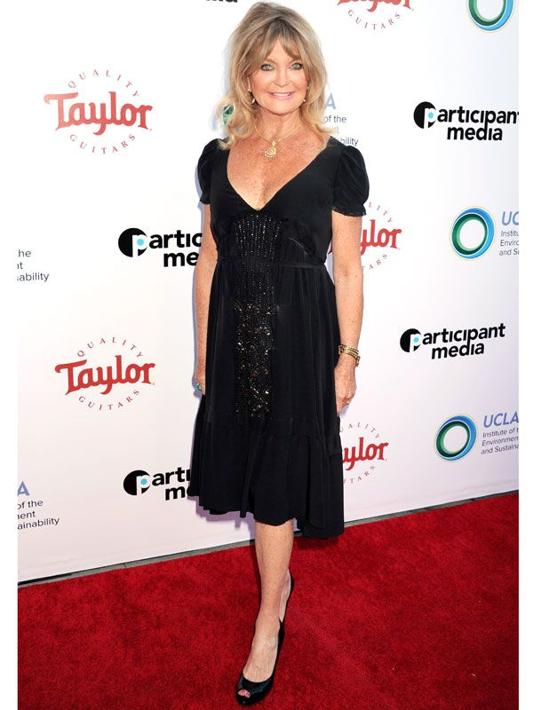 Goldie Hawn Says She Keeps Her Diet Simple: 'I Don't Eat a Lot. I Think We Overeat' http://greatideas.people.com/2016/03/25/goldie-hawn-keeps-diet-simple-i-dont-eat-alot/?xid=socialflow_facebook_peoplemag