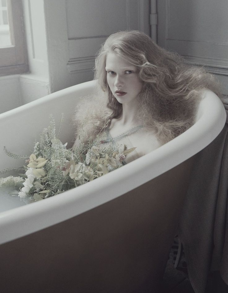 how to become a mermaid in the bathtub