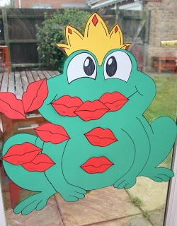 Put a Kiss on the Frog Game
