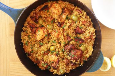 Spanish chicken and quinoa recipe, Bite – Here's a quick and easy paella-style dish using quinoa that I've been making lots of over the holidays. – foodhub.co.nz