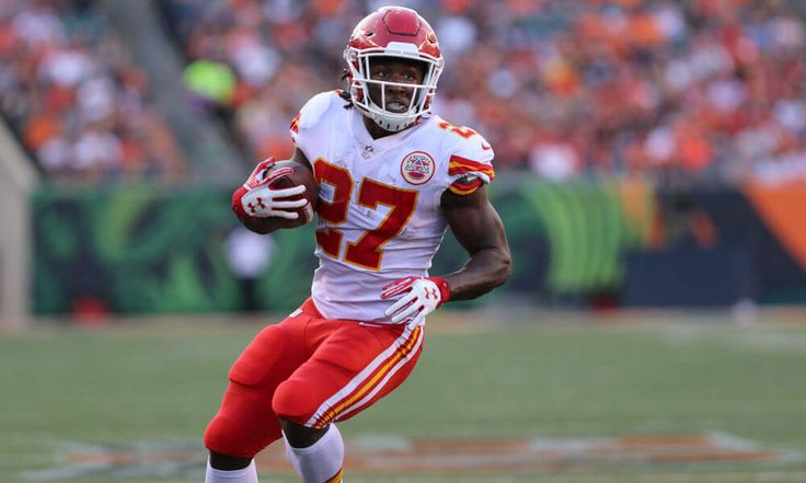 Chiefs name rookie Kareem Hunt starting RB = Spencer Ware's injuries and likely surgery are expected to shelve the Kansas City Chiefs starting running back for the season. That leaves rookie Kareem Hunt as Kansas City's new No. 1 back, coach Andy Reid told reporters Monday. Reid made.....