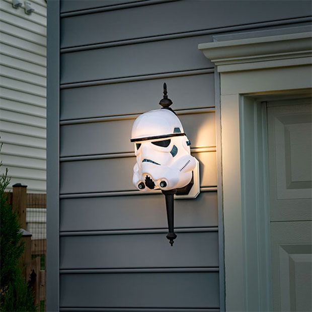 You can decorate the inside of your houseas geekily as you want, but unless you invite your neighbors in, they'll never know how deep your geek streak runs.