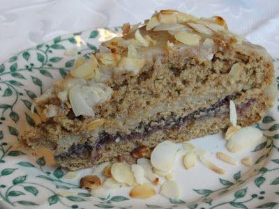 Hát igen, nincs mit tagadni, a mi családunkban a vaníliás sütikrémek nagyon mennek...:-) Ha jól belegondolok, szinte mindegyik sütibe...