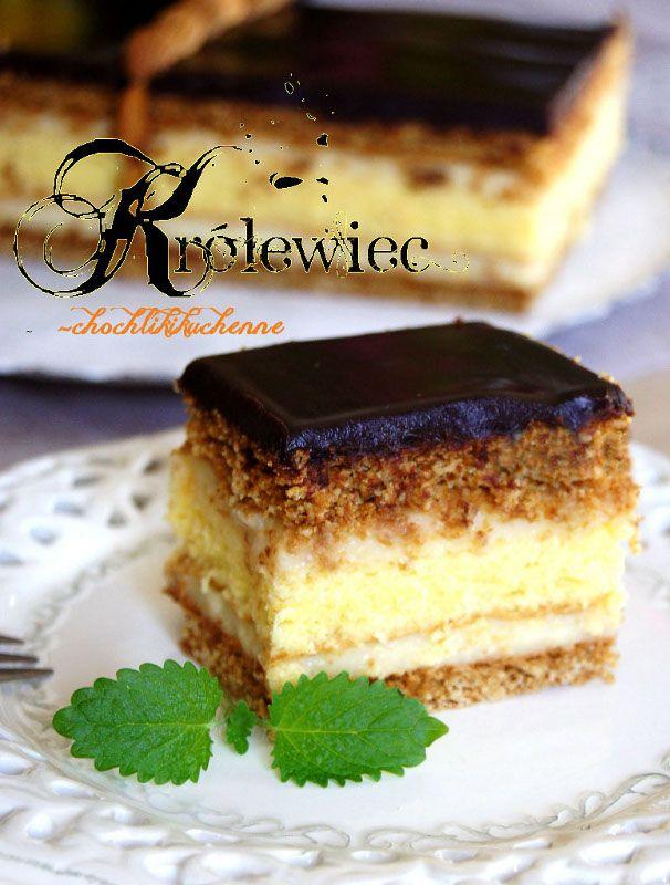 Dwa miodowe placki, biszkopt, krem budyniowy i polewa czekoladowa - oto Krolewiec- jedno z moich ulubionych ciast, ktore w pelni zasluguje na tak dostojna nazwe. Juz na pierwszy rzut oka prezentuje...