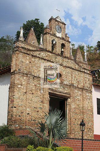 Templo Parroquial de la Virgen de las Nieves. Olaya, Antioquia, Colombia