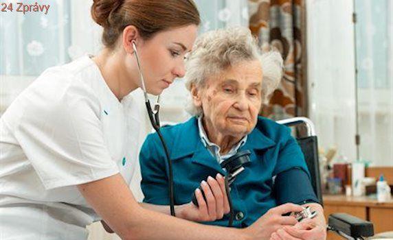 Zdravotní sestry si od července polepší o 2000 korun, půjde asi o 43 tisíc lidí