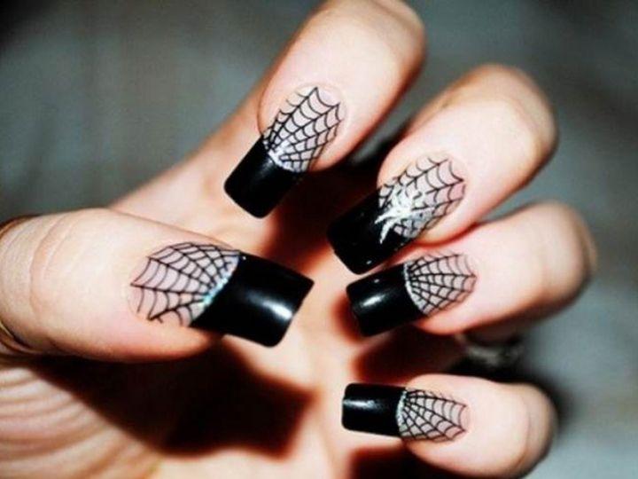 #nailart: le più belle e spaventose decorazioni unghie per Halloween