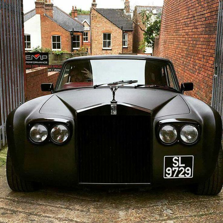 Luxury Collector Cars Images On: Rolls Royce With Bags