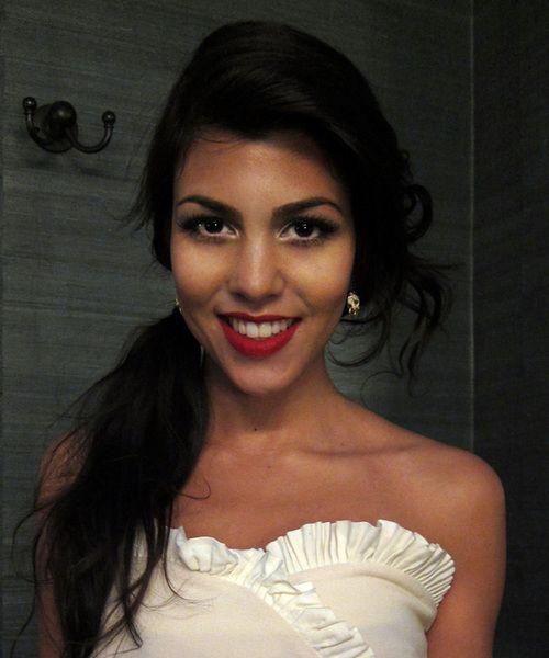 make upEye Makeup, Kourtney Kardashian, Bright Eye, Hairmakeup, Beautiful, Kourtneykardashian, Hair Makeup, Red Lips, Dark Lips