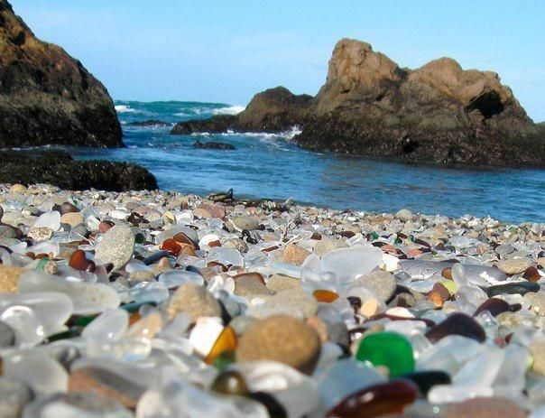Стеклянный пляж, Форт Брэгг, Калифорния.
