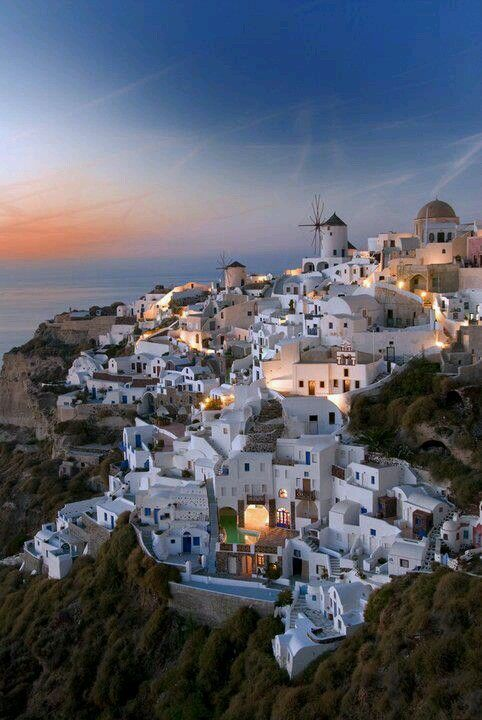 Santorini, Greece #travel #awesome places +++For more background images, visit www.hot-lyts.com/