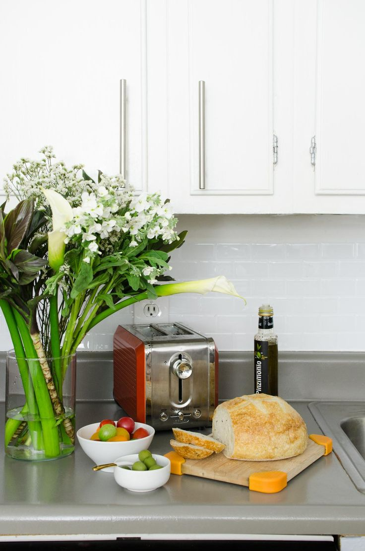 Easy And Inexpensive Rental Kitchen Makeover On Thouswellblog