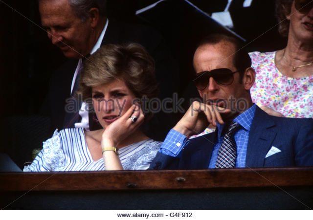 Tennis - Wimbledon Championships - Men's Singles - Fourth Round - Pat Cash v Mats Wilander - Stock Image