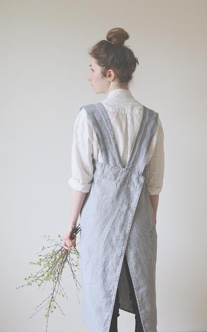 $52  Linen Pinafore, Crossover Apron, Artist Smock with deep pockets, japanese apron, no ties apron, softened linen, dove grey color, apron, crossover  apron, pinafore dress
