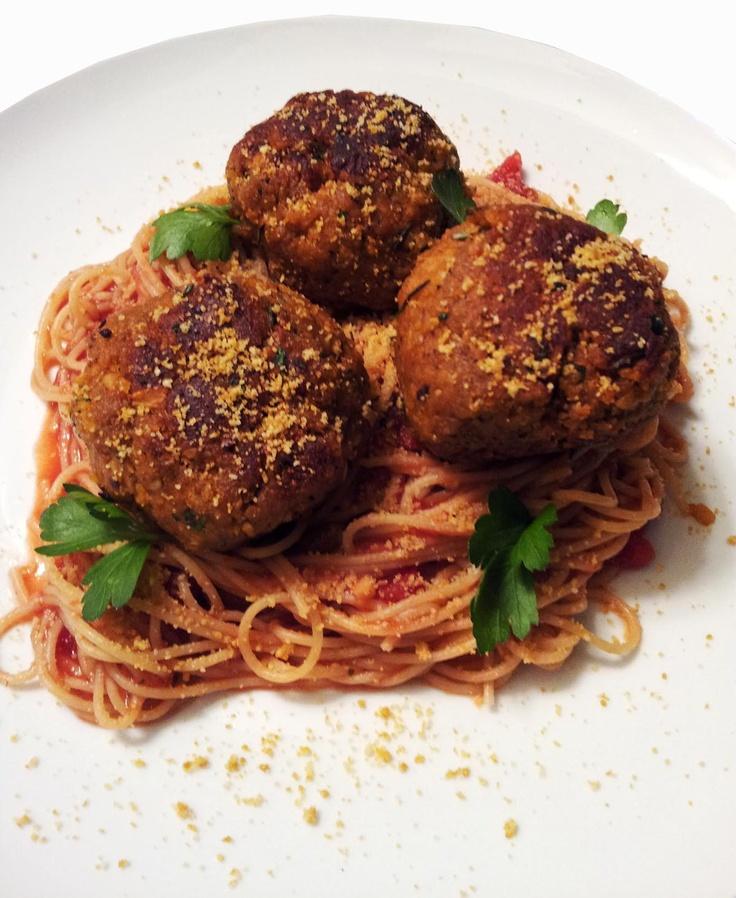 Spaghetti & Vegan Meatballs-with chickpeas & cremini mushrooms!