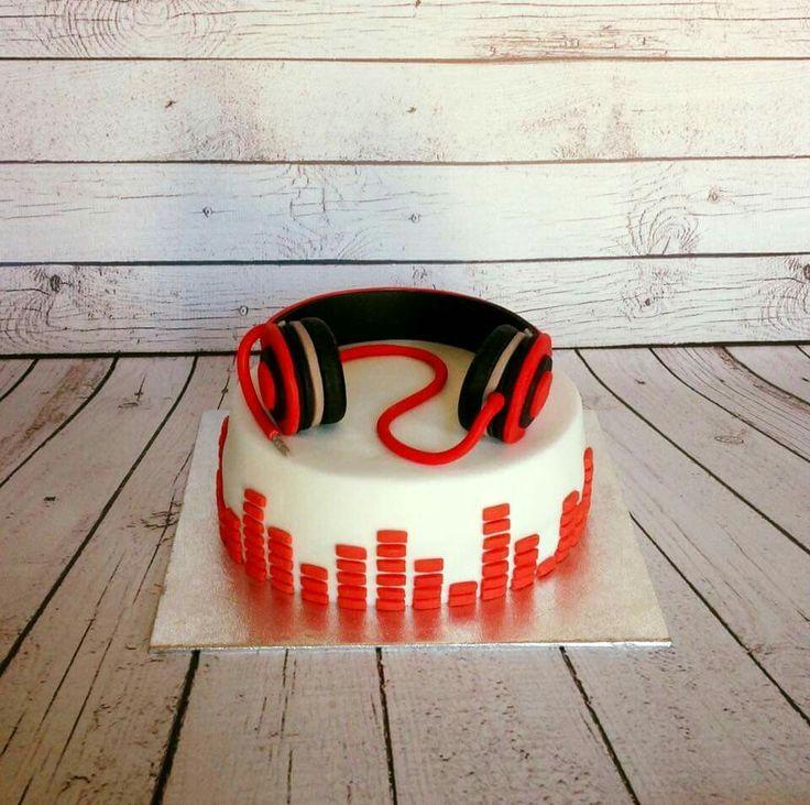 Dj headphone birthday cake