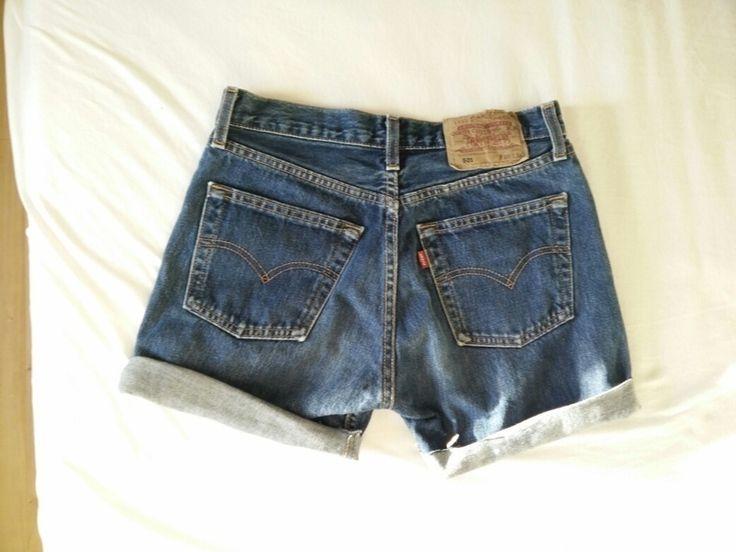 Ich habe diese abgeschnittene Levis 501 Shorts für 49€ bei Urban Outfitters gekauft. Leider ist mir das Bein ein wenig zu ...