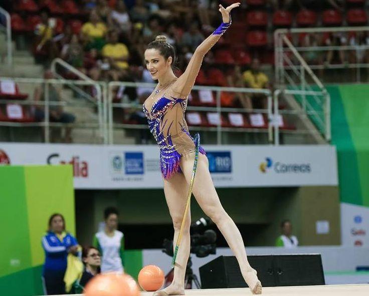 Rio-2016-atletas-brasileiras-mais-bonitas-das-olimpiadas-natalia-Natália Gaudio (Ginástica rítmica)gaudio-ginastica-ritmica-gatas
