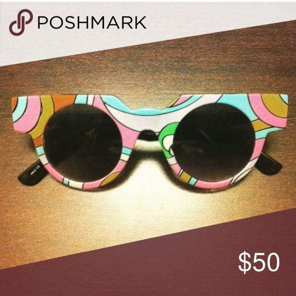 Quay eyewear Rare no scratches no case psychedelic and retro 10/10 Quay Australia Accessories Glasses